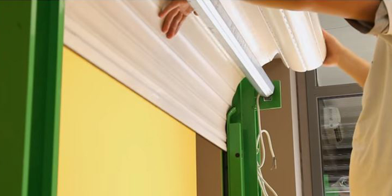 Come installare o sostituire tapparelle avvolgibili fai da te for Aprire il pavimento